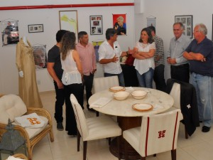 Ubatuba inaugura espaço Clodovil Hernandes