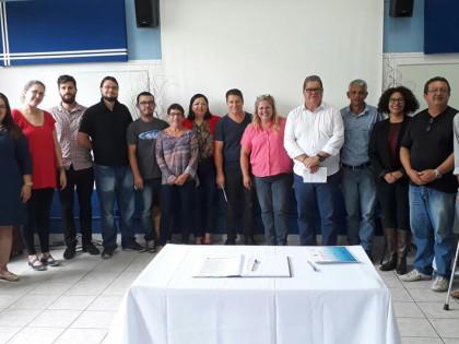 Vice-prefeito empossa Conselho de Acompanhamento e Controle Social do Fundeb