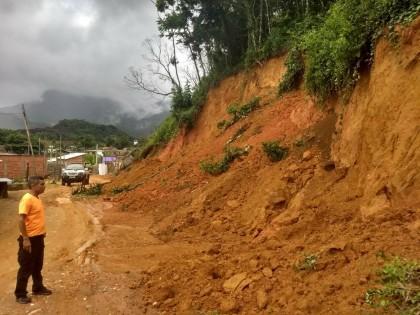 Defesa Civil pede que população fique atenta às chuvas nesta quarta-feira