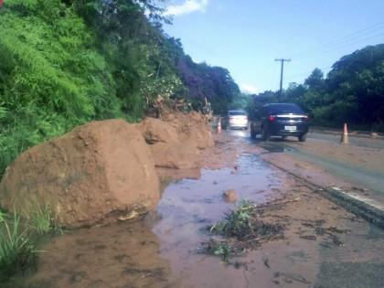 Chuva causa estragos em Ubatuba