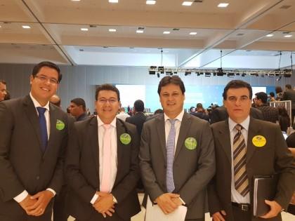 Prefeito Sato assina em Brasília adesão ao Programa Internet para Todos
