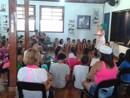 Pacientes da saúde participam de contação de histórias na Biblioteca de Ubatuba