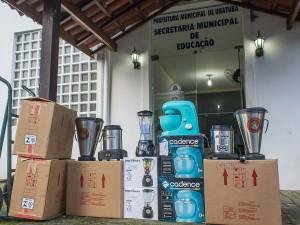 Secretaria de Educação de Ubatuba entrega equipamentos para escolas e creches