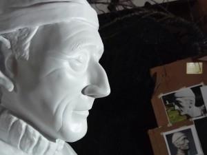 Estátua de Jacques Custeau é inaugurada na Praça da Baleia