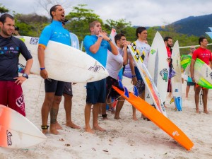 Itamambuca sedia 1ª etapa do 20º Circuito Universitário de Surf