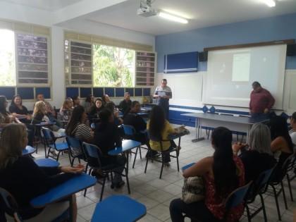 Alunos do curso de Corte e Costura participam de formatura em Ubatuba