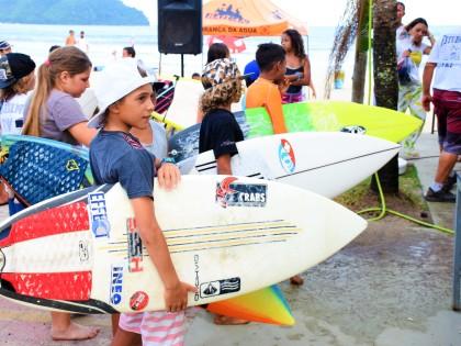 Escola Cooperativa leva a melhor no Estudantil de Surf
