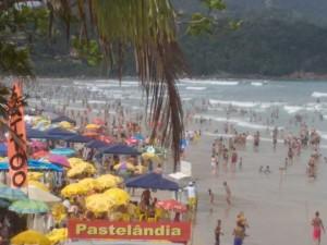 Eventos de surf agitam Ubatuba no fim de semana