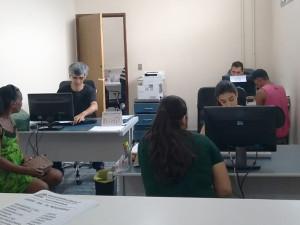 Setor de documentos da Assistência Social de Ubatuba bate recorde de emissão de Carteira de Trabalho