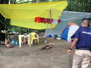 Prefeitura de Ubatuba fiscaliza acampamento irregular em praias