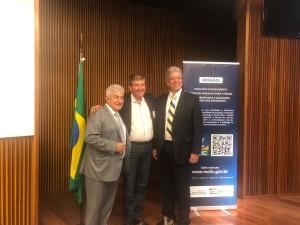 Professor da rede municipal de Ubatuba encontra ministro Marcos Pontes