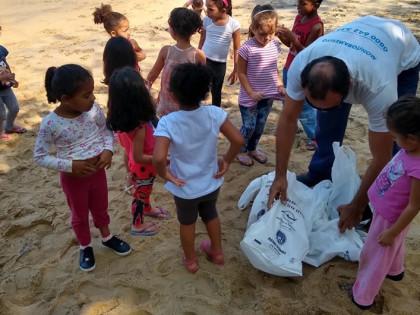 Escolas Municipais de Ubatuba participam do Dia Mundial de Limpeza das Águas