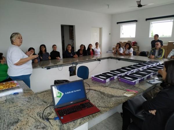 Prefeitura realiza entrega de tablets do programa Saúde em Ação a agentes comunitários