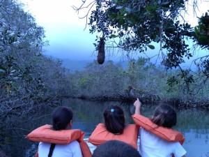 Alunos da EM Manoel Inocêncio fazem trilha aquática