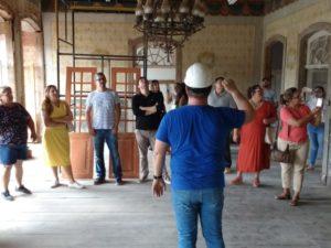 Comissão da Prefeitura participa de visita a trabalho de restauro do Sobradão do Porto
