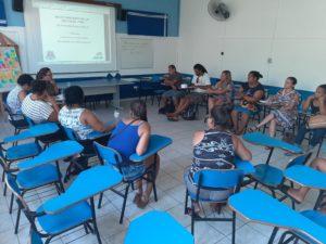 Secretaria de Educação e comunidade do Camburi discutem melhorias na escola do bairro