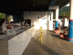 Mercado Municipal de Peixes volta a funcionar em horário normal