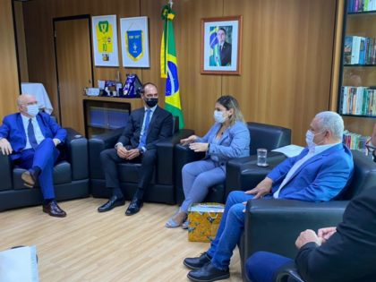 Prefeita de Ubatuba vai à Brasília em busca de recursos