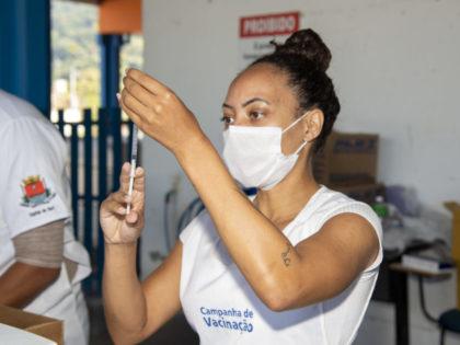Vacinação contra a Covid-19 prossegue para pessoas com 30 anos ou mais